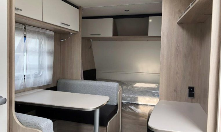 2020 Caravelair alba 400 caravan